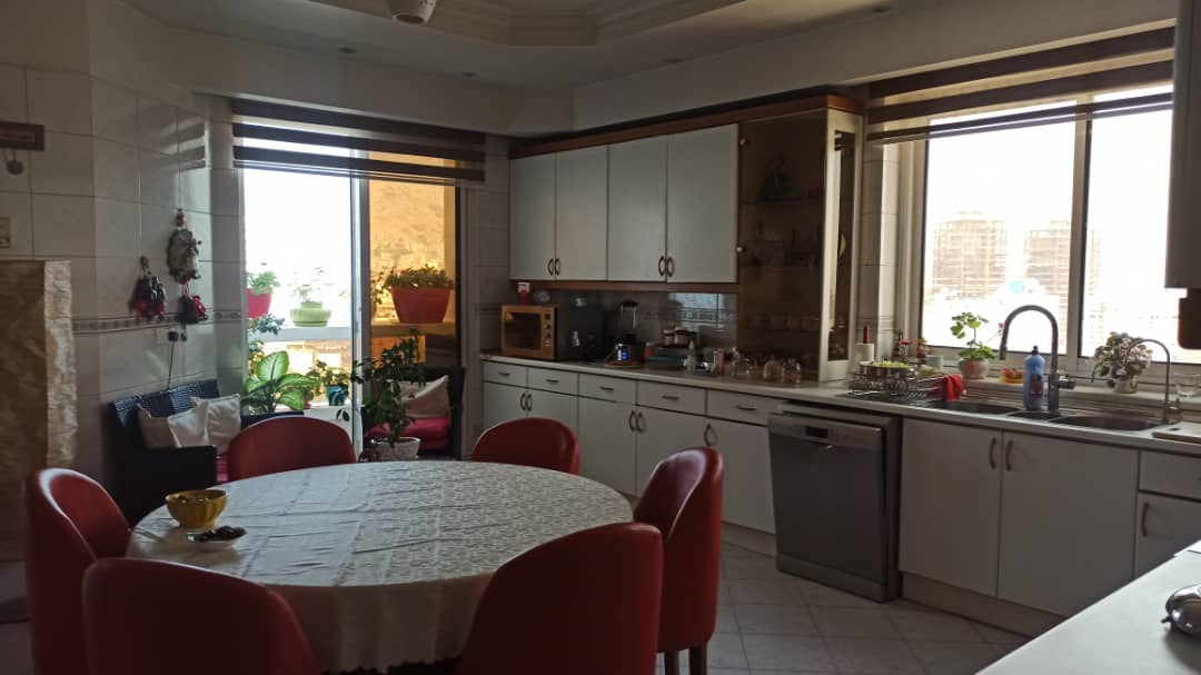 fully furnished flat for renting in Mahmoodiyeh Tehran