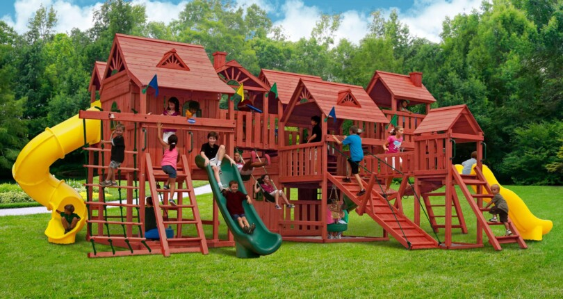 7 Tips to Make Your Backyard a Safe Play Zone for Kids